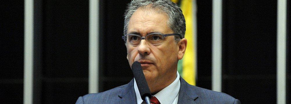 Zarattini: Venda da Embraer para Boeing é escandalosa