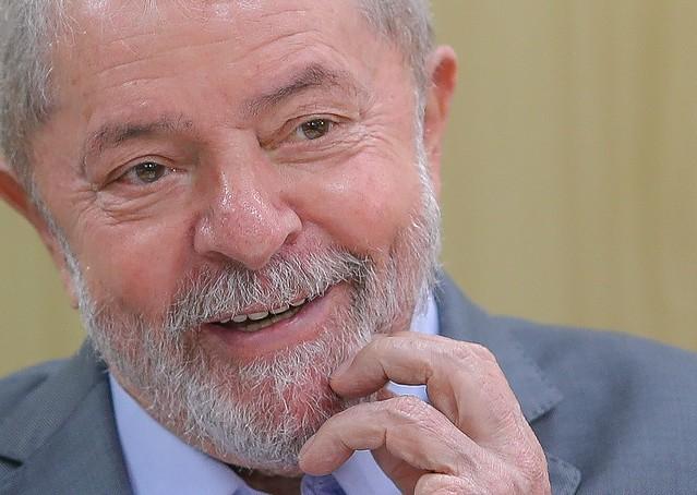 """Lula dá aula sobre Previdência e convida: """"O Guedes pode vir me visitar que discuto com ele"""""""