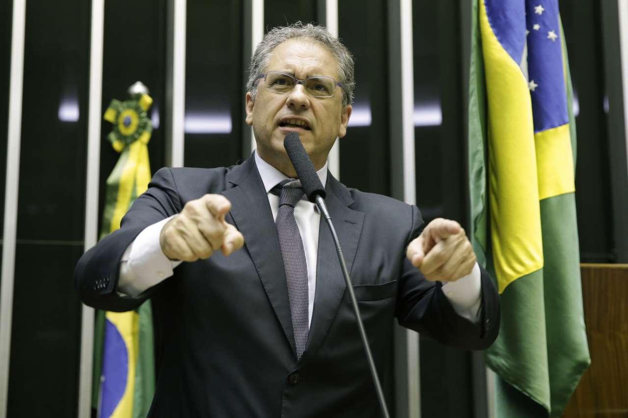 Corte orçamentário em universidades é demonstração de autoritarismo do governo Bolsonaro, afirmam petistas