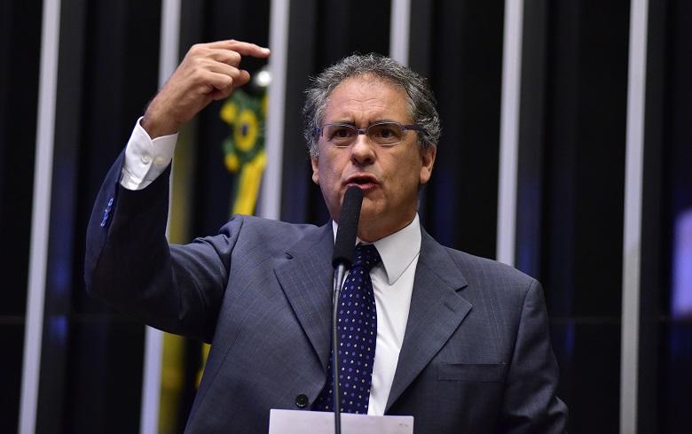 Zarattini: o governo é um caos e Bolsonaro só quer guerra ideológica