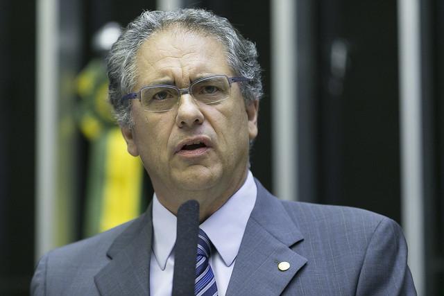 Ministros de Bolsonaro devem explicar na Câmara escândalo envolvendo Itaipu