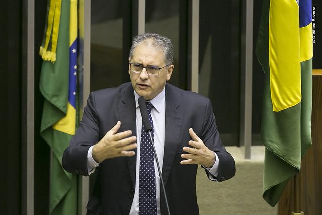 Zarattini convoca ministros para explicarem acordo entre Brasil e Paraguai em Itaipu