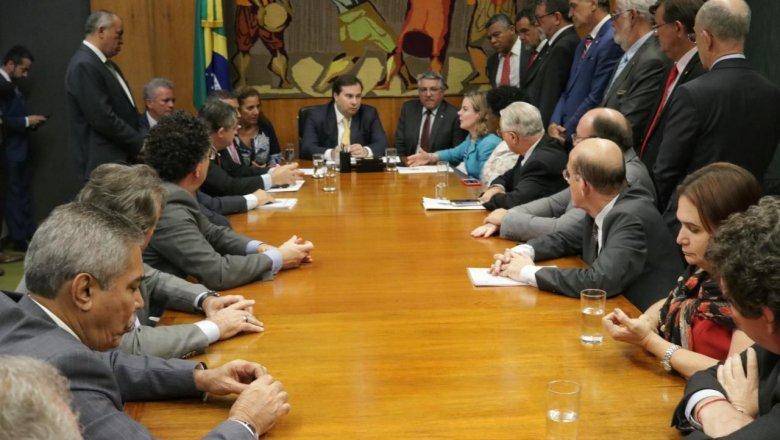 Lula agradece parlamentares por defesa de seus direitos e contra arbitrariedades judiciais