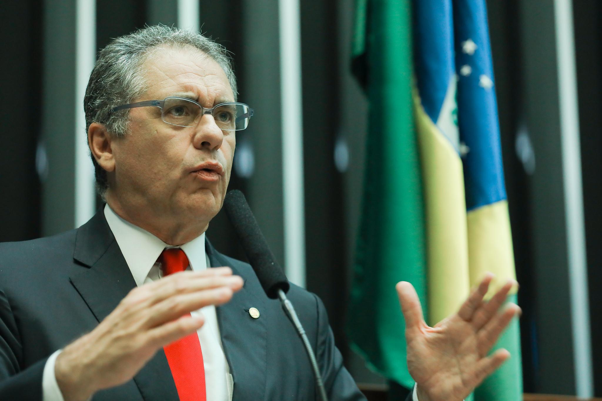Deputados do PSL temem que CPMI revele envolvimento de membros do governo Bolsonaro com fake news, afirmam petistas