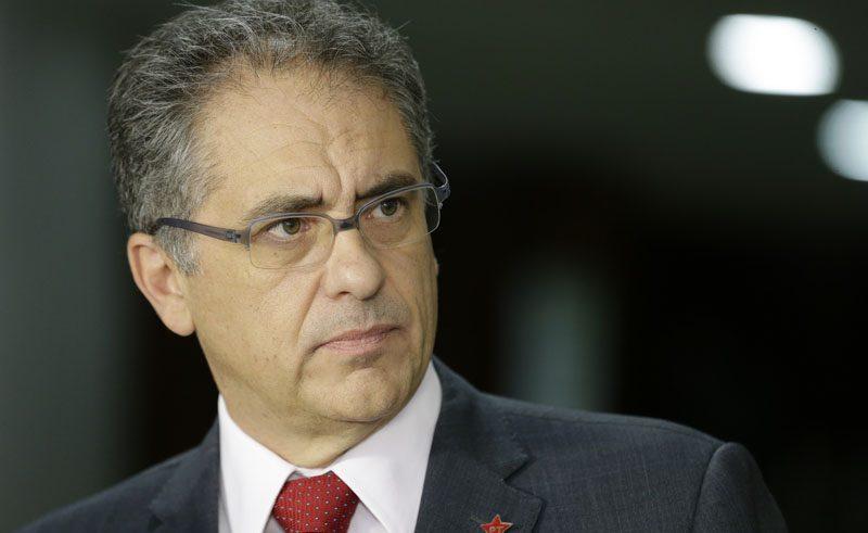 Bolsonaro coloca Brasil à venda para agradar americanos