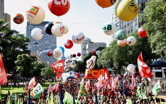 Centrais vão às ruas para denunciar pacote de maldades de Bolsonaro e Guedes