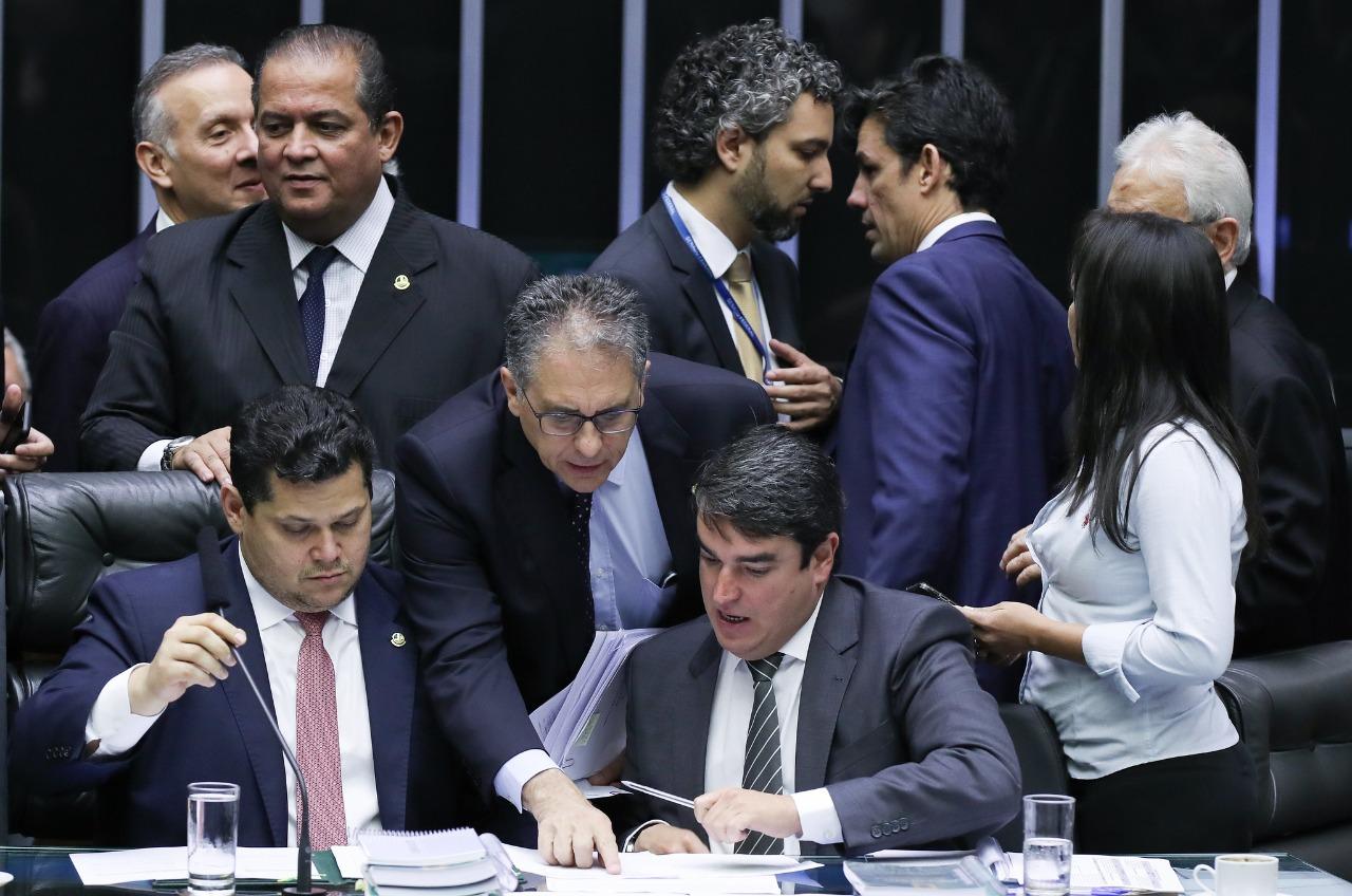 Partidos de Oposição derrotam Bolsonaro no Congresso