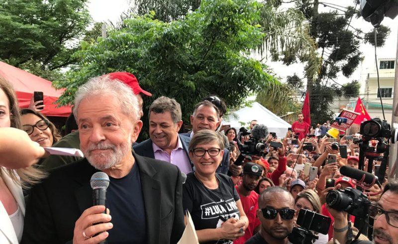 Datafolha: Maioria dos brasileiros considera justa liberdade de Lula após decisão do STF