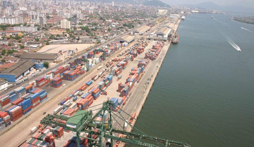 Carlos Zarattini representa na PGR para evitar quebra de contrato com empresas no Porto de Santos