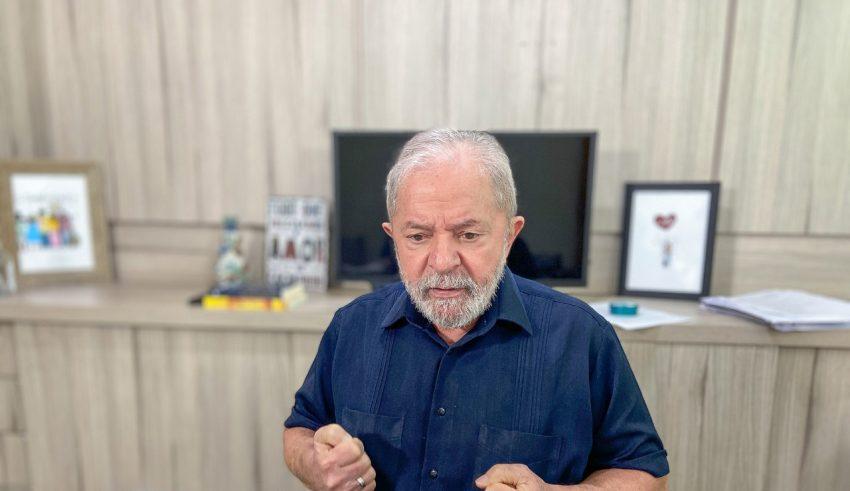 Lula defende impeachment de Bolsonaro e critica paramilitares em Brasília