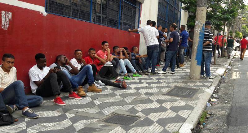 Bancada do PT na Câmara  enfrenta Bolsonaro e propõe estender auxílio emergencial de R$ 600,00 por um ano.