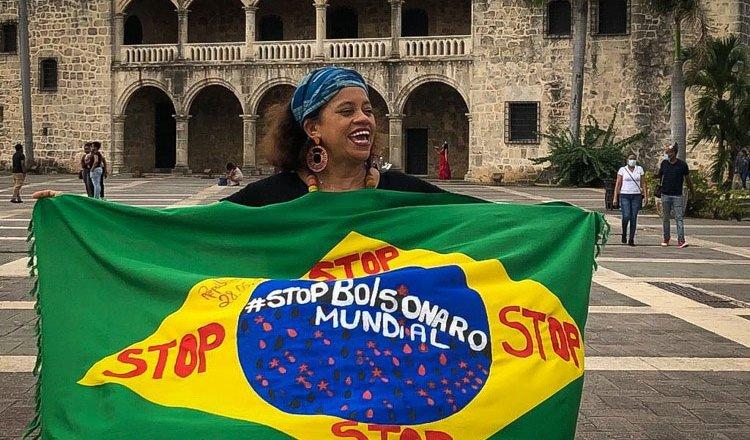 """Stop Bolsonaro: Manifestantes foram às ruas e redes sociais para dizer """"Basta!"""""""
