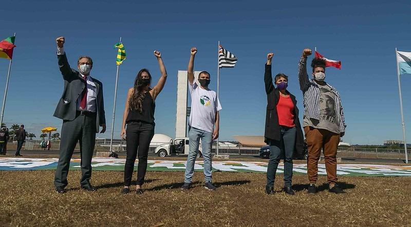 Petistas participam de ato e defendem votação nesta terça do Novo Fundeb
