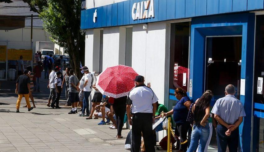 Bolsonaristas votam contra proposta do PT de prorrogar auxílio emergencial de R$ 600 até dezembro