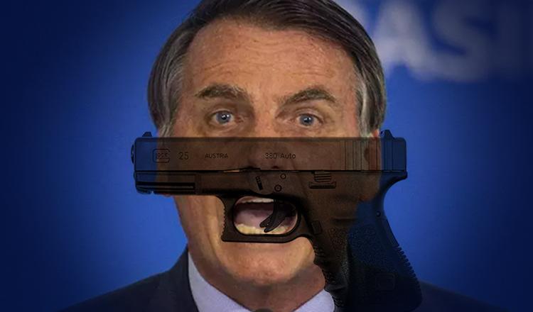 """Na surdina, Bolsonaro vai passando agora a """"boiada das armas"""""""