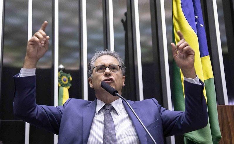 PT intensifica pressão no Congresso pelos R$ 600 do auxílio emergencial