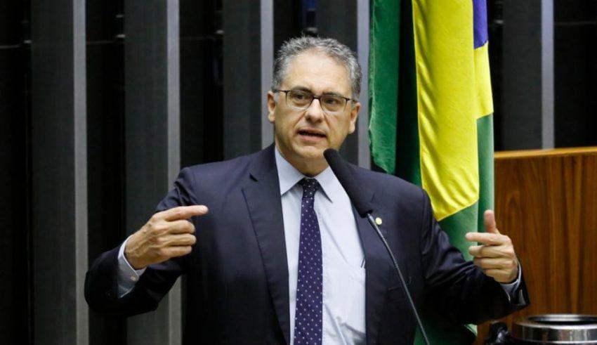 Redução do auxílio emergencial para R$ 300 é mais um crime contra o povo, denuncia Zarattini