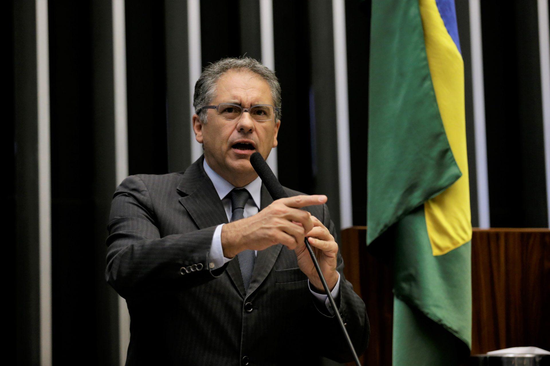 Oposição cobra auxílio emergencial de R$ 600 por mais seis meses