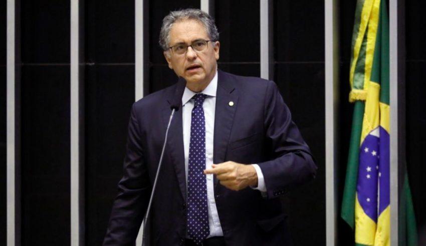 """Zarattini: """"Bolsonaro precisa ser responsabilizado pelas suas ações genocidas"""""""