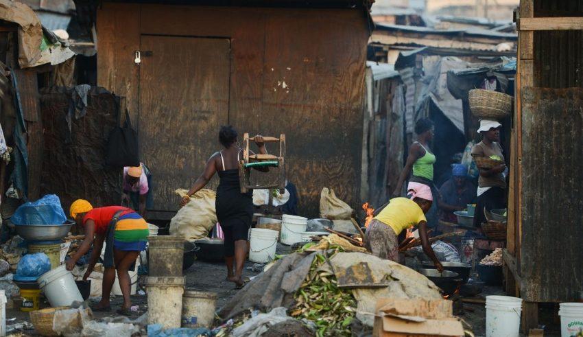 Auxílio emergencial: sem prorrogação o Brasil viverá o caos social
