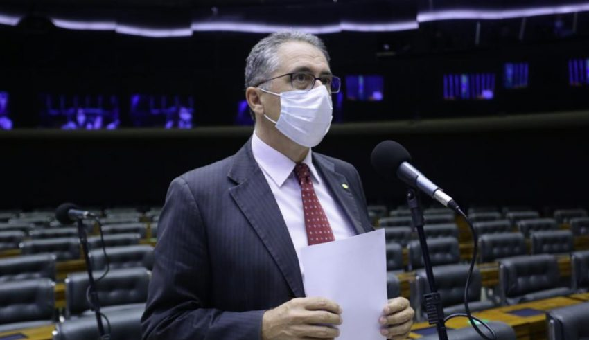 Irresponsabilidade de Bolsonaro no combate à Covid-19 pode gerar o caos no País, alerta Zarattini
