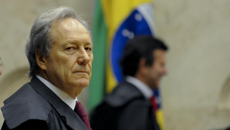 A pedido do PT, STF dá 48 horas para governo federal agir contra a crise em Manaus