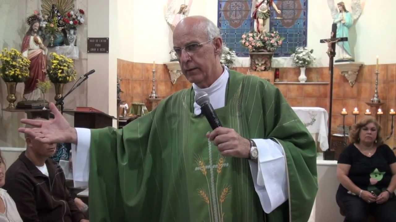 Padre Julio Lancellotti faz sermão histórico contra política de Bolsonaro sobre armas