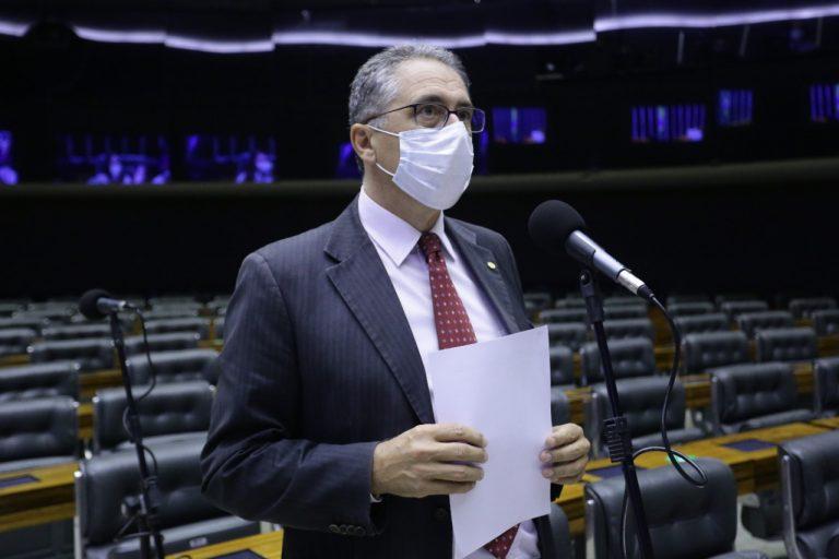 AGORA É LEI! PROJETO DE ZARATTINI DEMOCRATIZA O ACESSO À ENERGIA SOLAR
