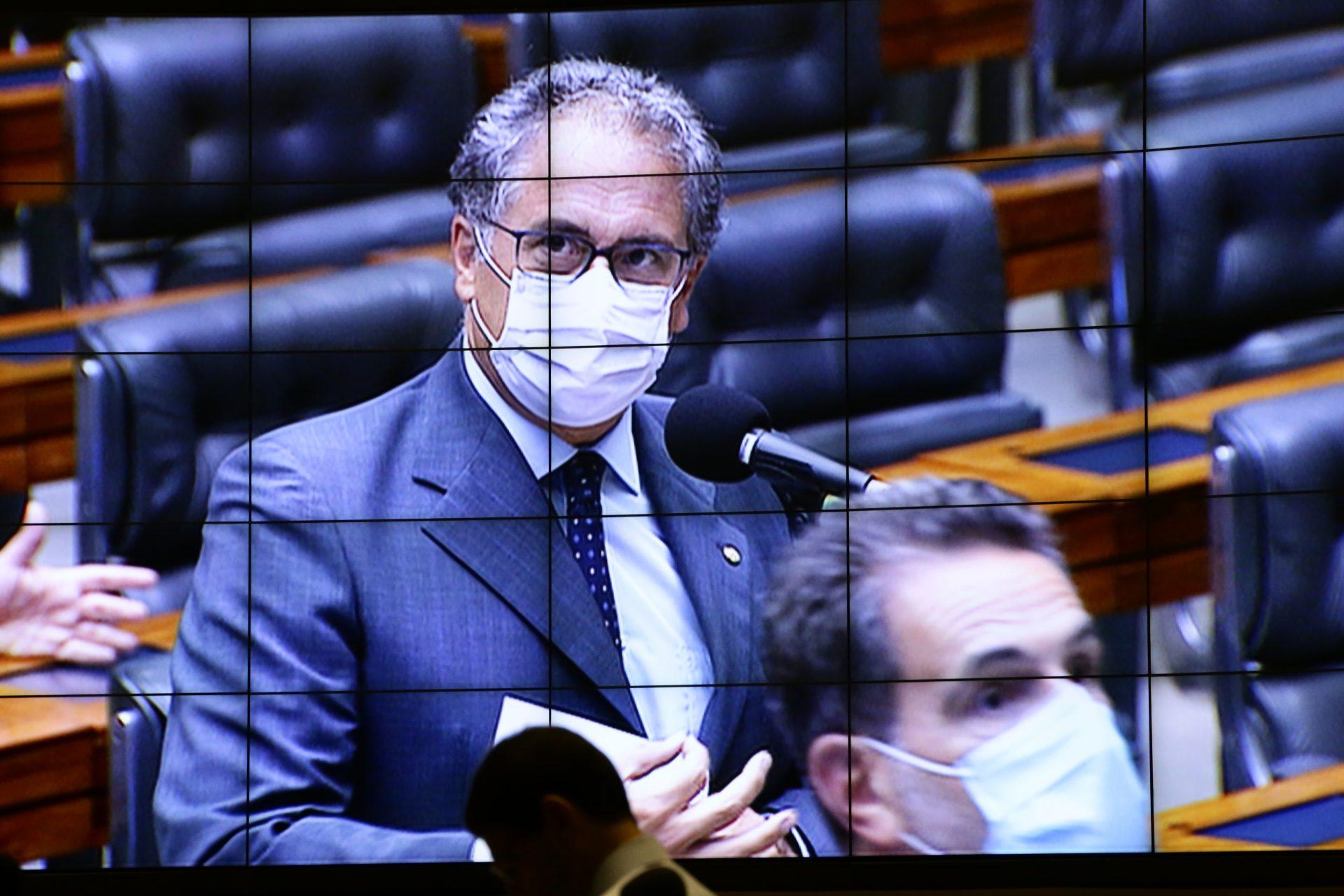 Zarattini pede a inclusão dos profissionais de limpeza no grupo de prioridades para recebimento da vacina