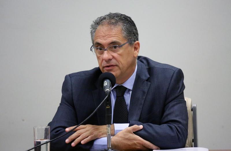 """""""No pior momento da pandemia, Bolsonaro passa a boiada no Congresso"""", diz Zarattini"""
