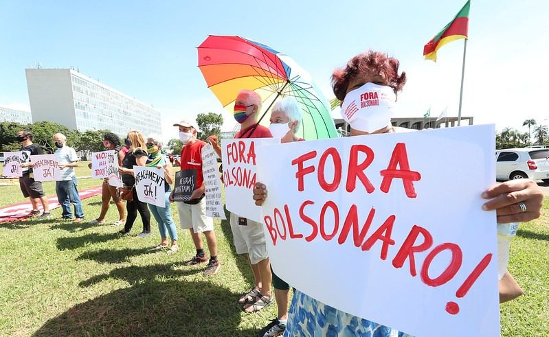 Moradores de favelas apresentam pedido de impeachment contra Bolsonaro nesta terça em Brasília