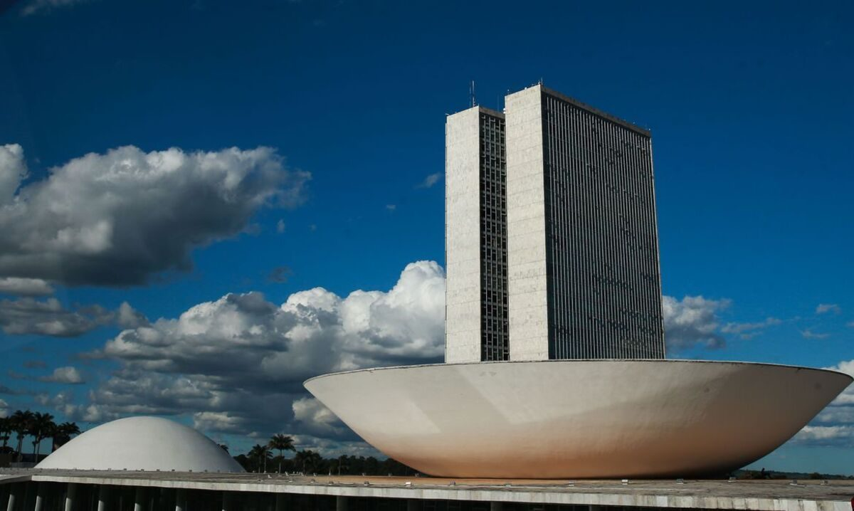 EUA pressionam Bolsonaro a barrar Huawei no mercado de 5G nacional