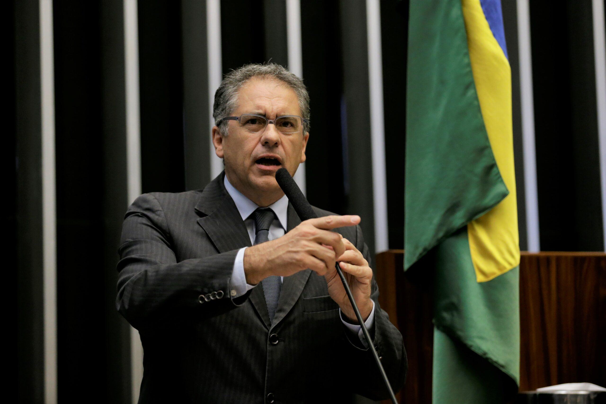 Bancada do PT em São Paulo luta pela sede dos metroviários