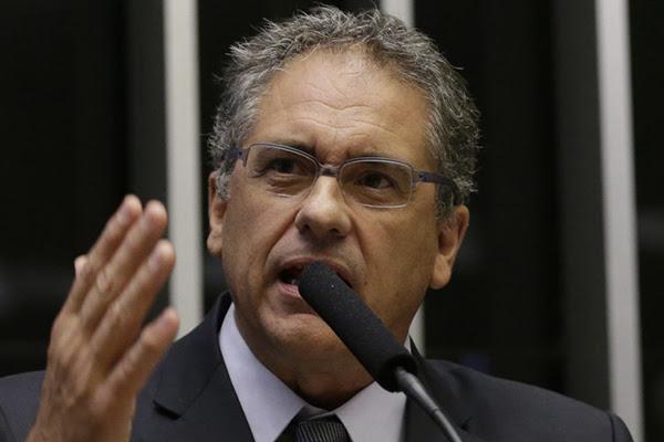 Nova Lei do Gás de Bolsonaro é mais uma Nova Lei do Gás de Bolsonaro não vai trazer desenvolvimento, denuncia Zarattini