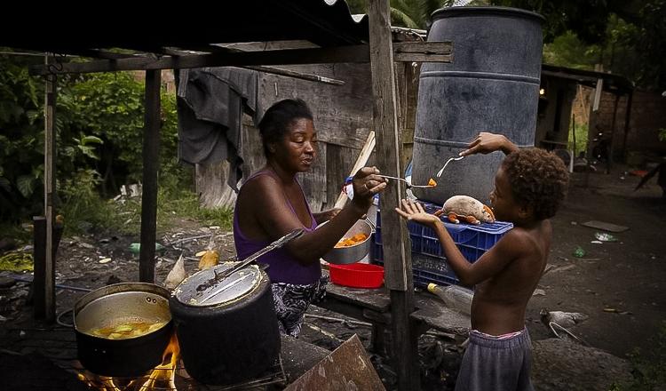 Pobreza aumenta durante o governo Bolsonaro e dispara no Nordeste, diz estudo