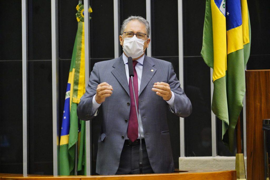 Bolsonaro ataca estatais e reduz seu quadro de funcionários