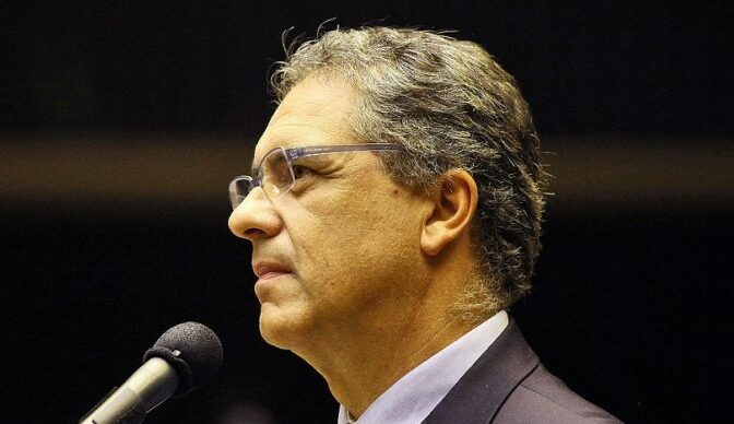 Deputados Kim Kataguiri e Carlos Zarattini e senador Major Olimpio debatem corrupção