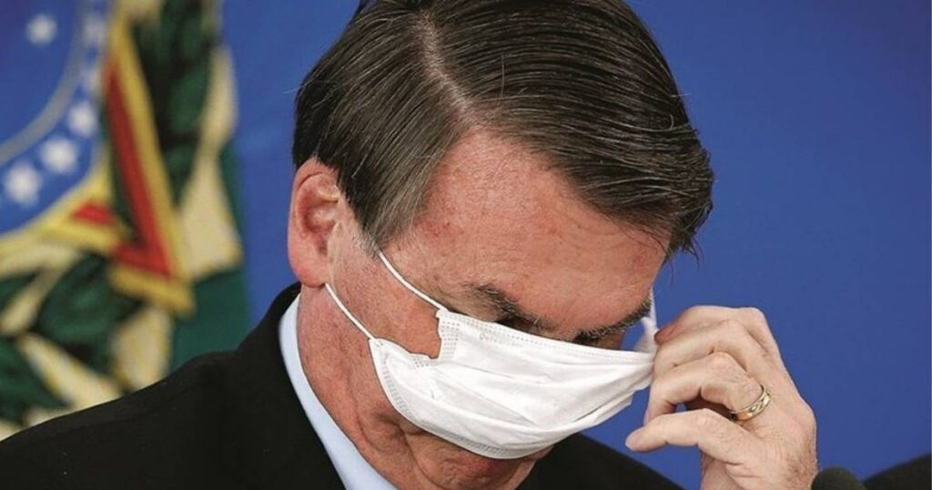 Bolsonaro volta a usar a caneta em causa própria e contra a democracia