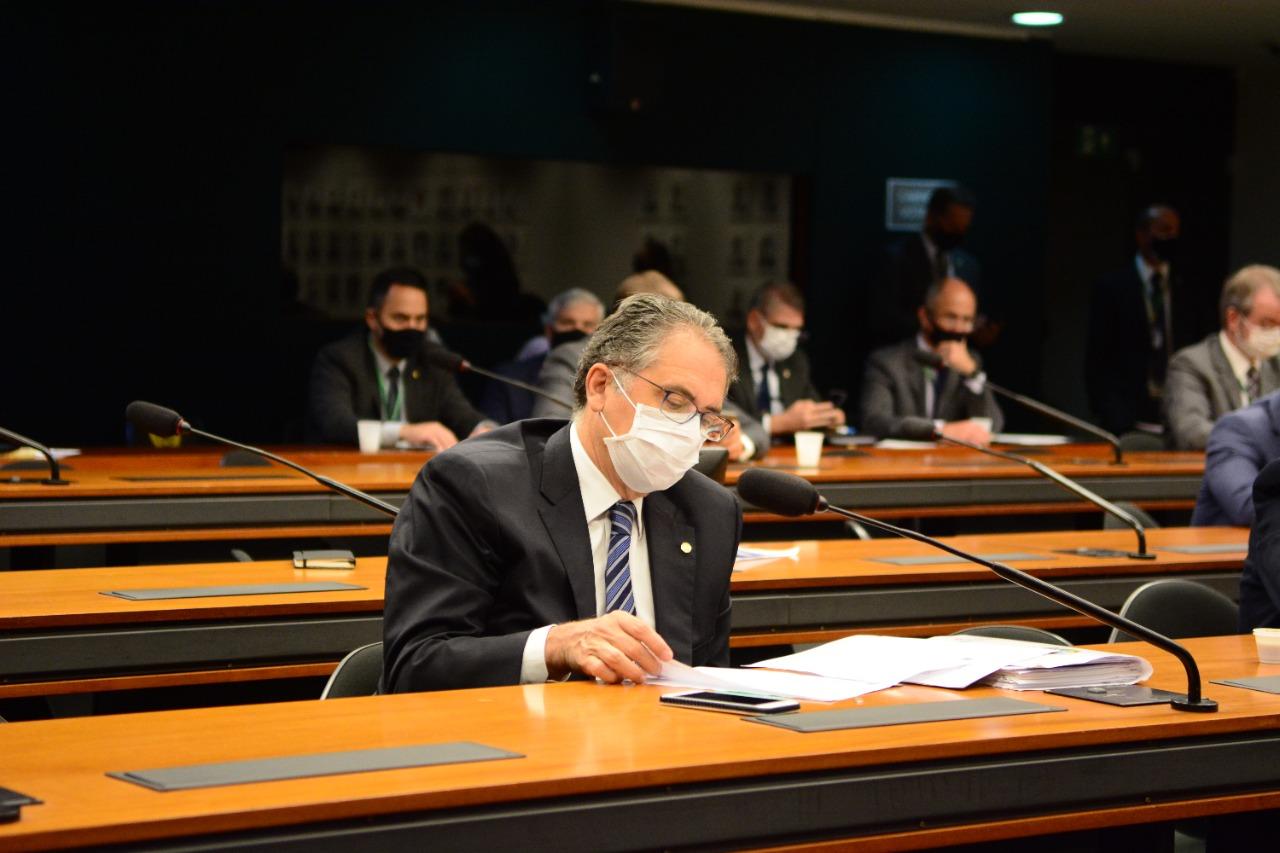 Na Câmara, Zarattini cobra explicações sobre o andamento do programa nuclear da Marinha