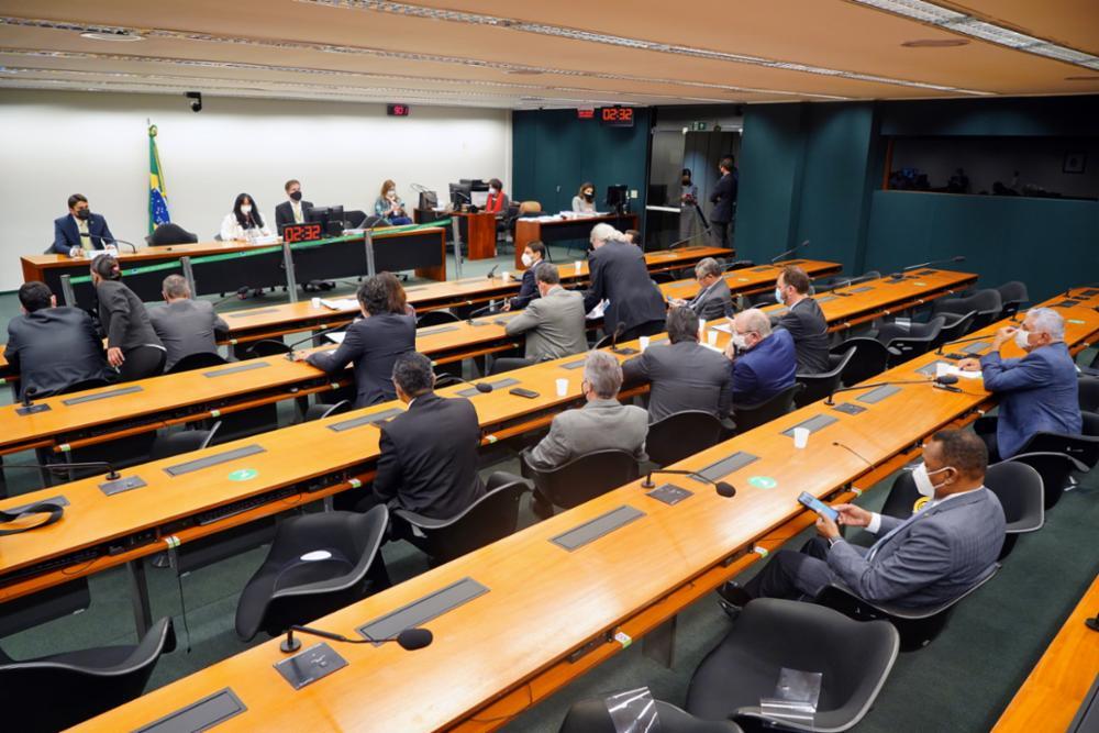 Ministro da Ciência e Tecnologia busca liberação de mais R$ 2 bilhões para o setor este ano