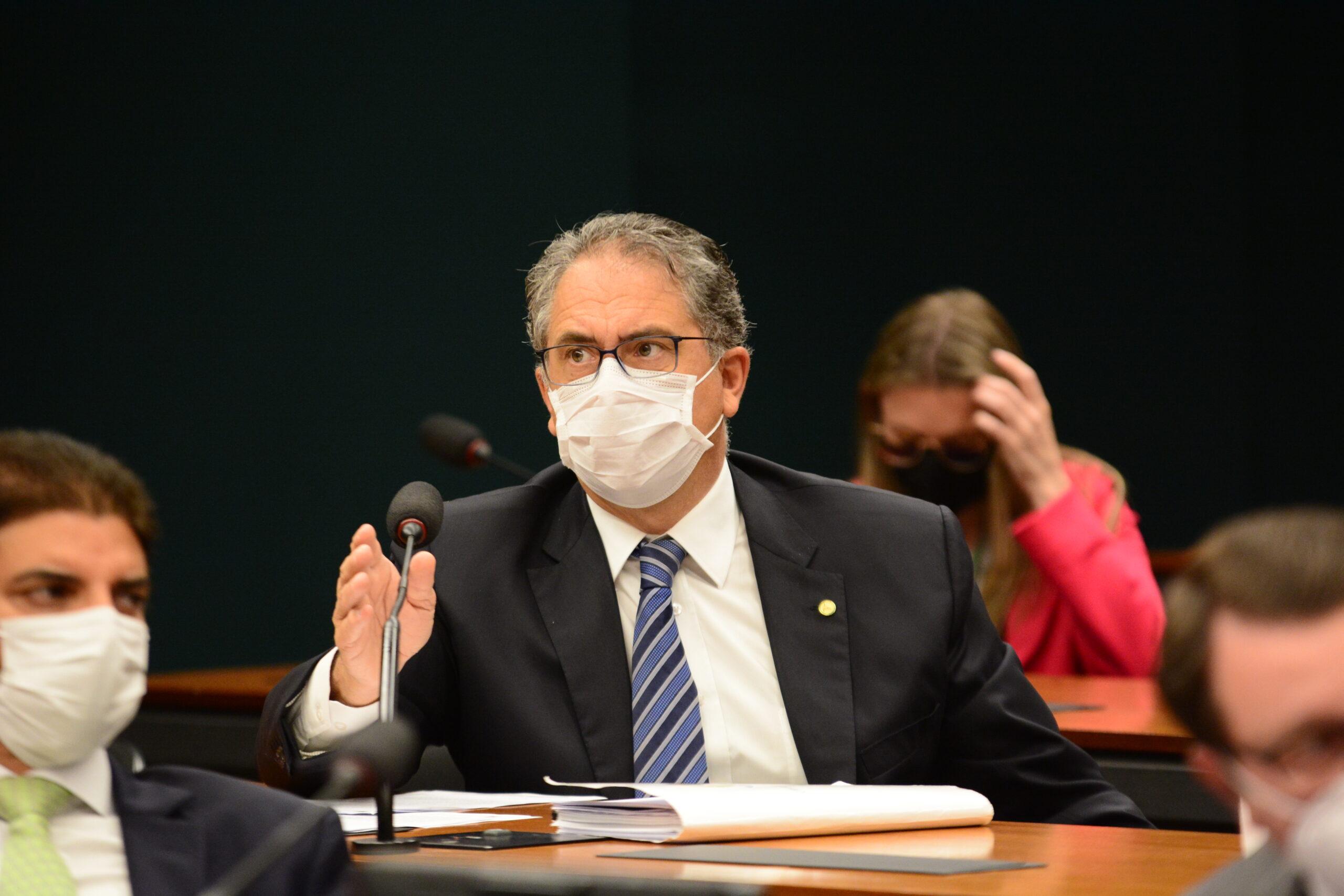 Forças Armadas estão em situação de penúria e governo Bolsonaro não toma nenhuma providência, critica Zarattini