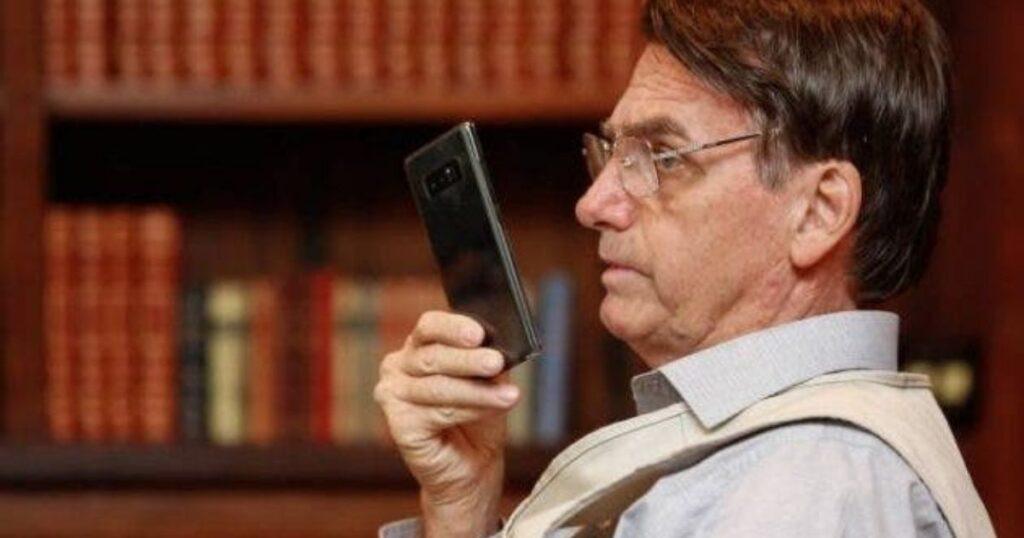 Relatório da CPI da Covid incluirá mensagens de celular de Bolsonaro que disseminaram fake news na pandemia