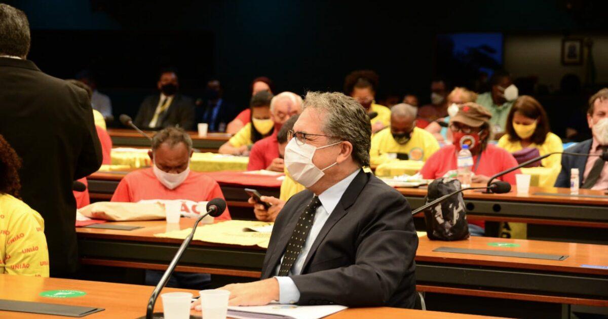 Bolsonaro acabou com os programas de moradia popular, denuncia Zarattini
